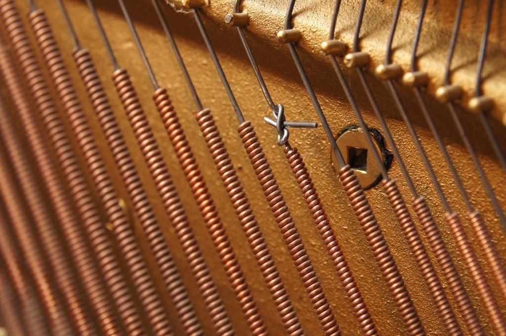 changement d'amorce d'une corde de piano