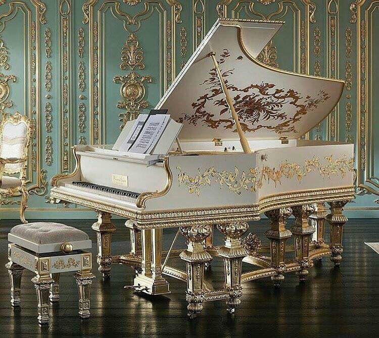 meuble de piano ancien